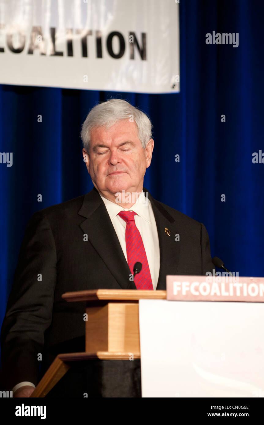 Newt Gingrich s'agit de Wisconsin à obtenir du soutien pour les prochaines élections primaires à un gop rassemblement politique. Banque D'Images