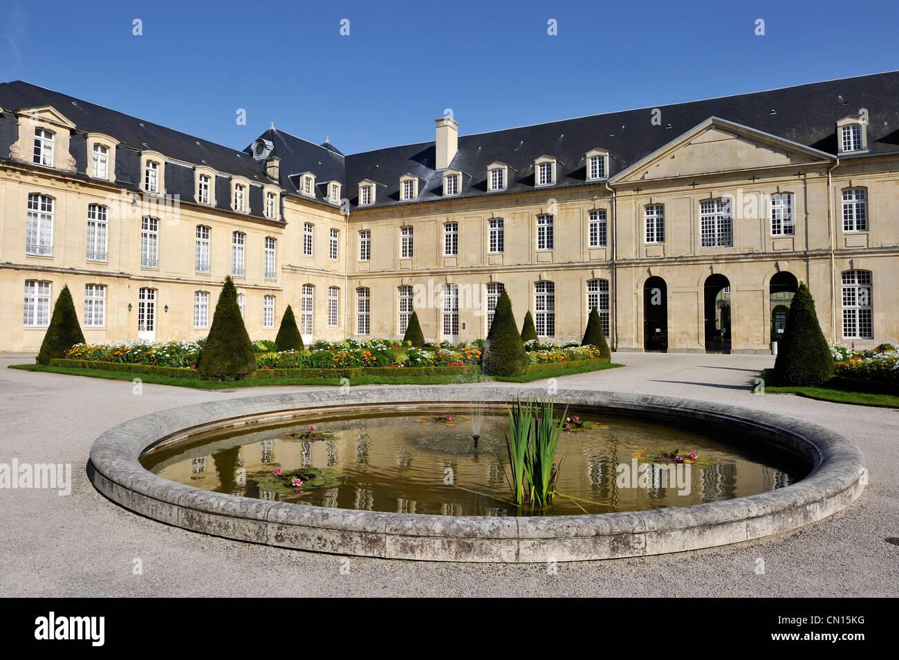 France, Calvados, Caen, Abbaye aux Dames (Abbaye de la femme) Photo Stock