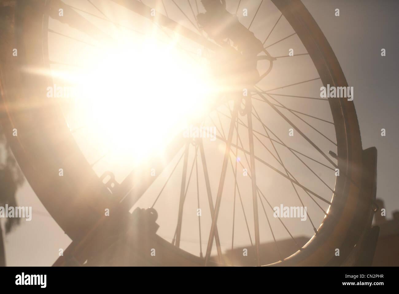 Roue de vélo en plein soleil Photo Stock