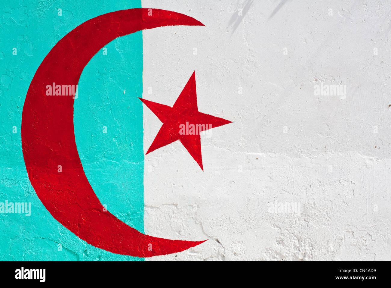 L'Algérie, Tipaza, Cherchell Wilaya, drapeau tunisien sur une fresque dans la vieille ville Photo Stock