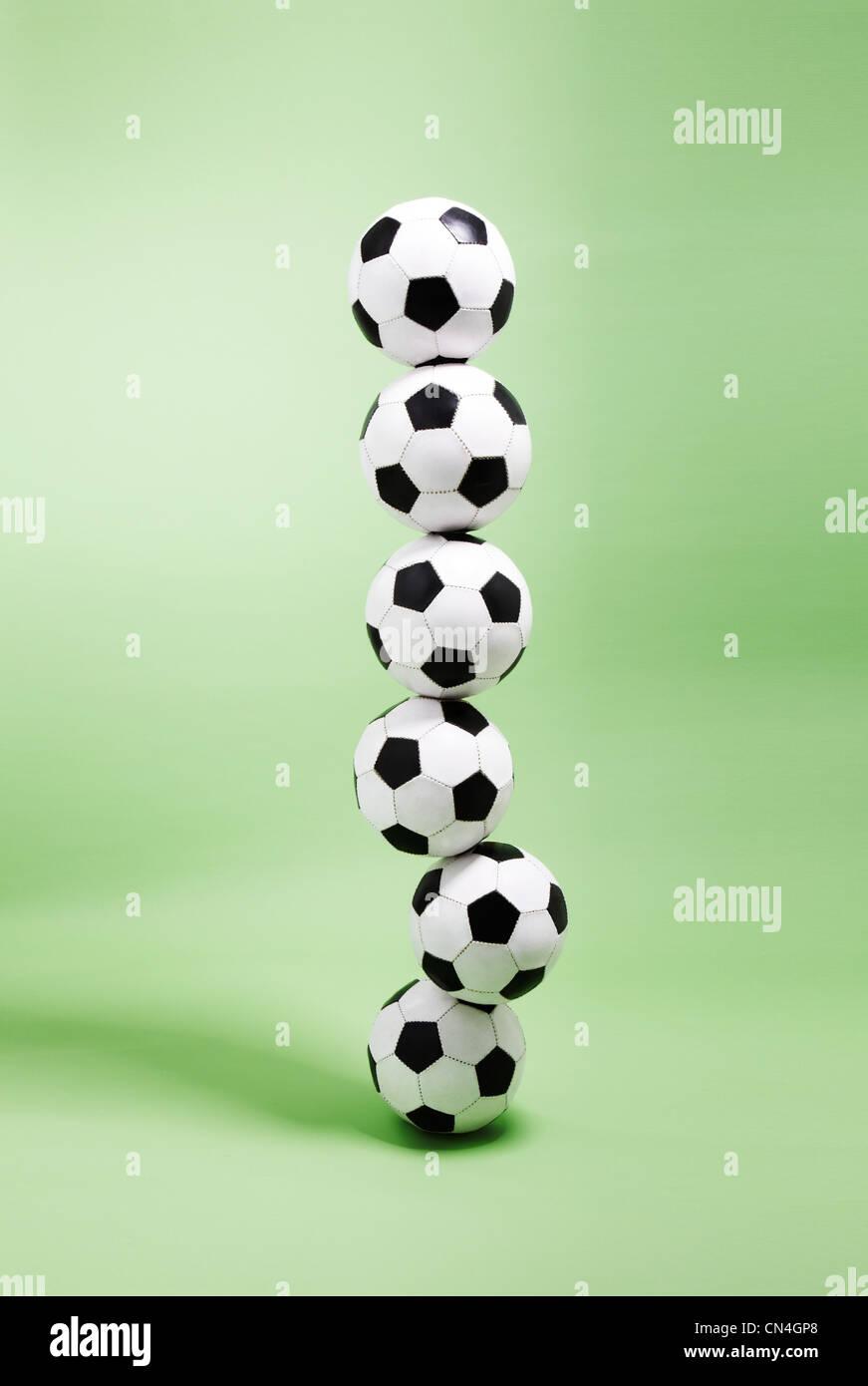 Six ballons empilés les uns sur les autres Banque D'Images
