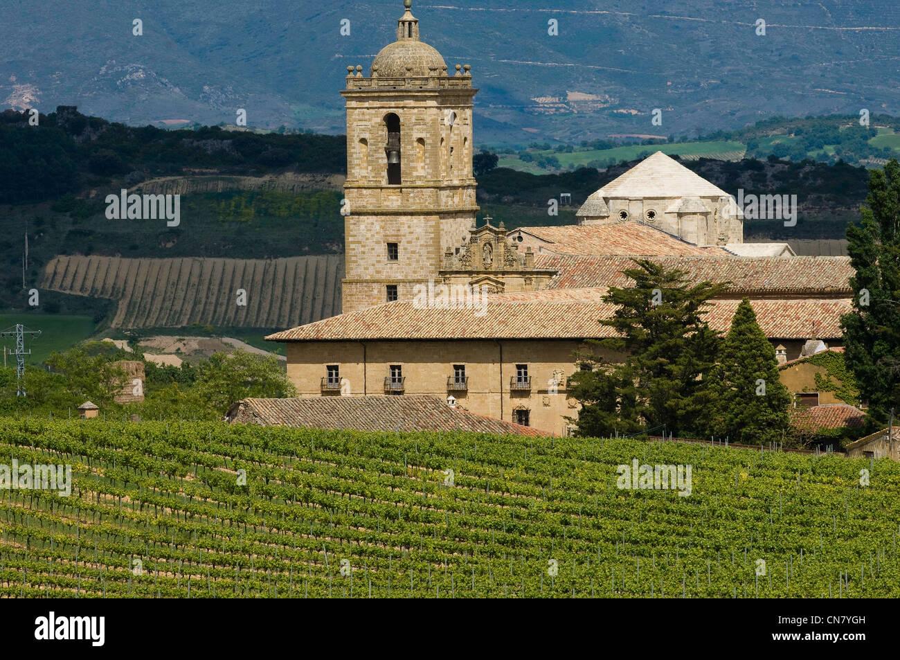 L'Espagne, Navarre, Irache, le monastère du 11ème siècle, au milieu du vignoble Irache Photo Stock