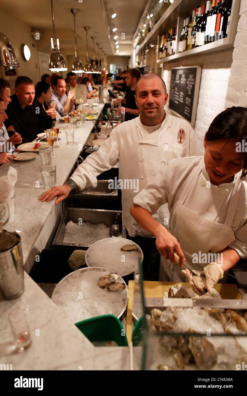 United States, New York, Manhattan, chef de l'Ed's Lobster bar, restaurant spécialisé dans les Photo Stock