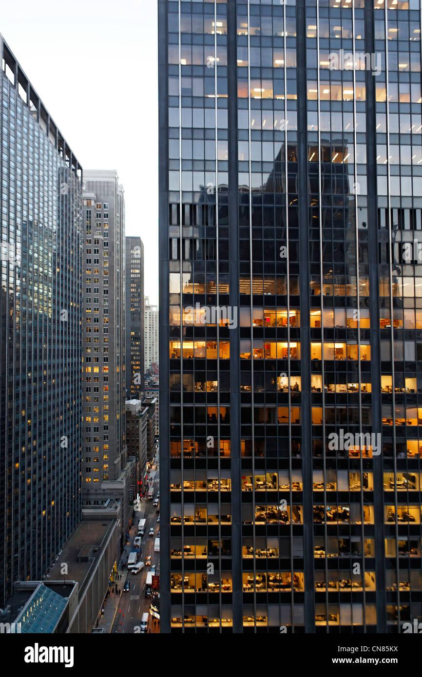 United States, New York, Manhattan, Midtown, perspective sur la 6e Avenue à partir de la terrasse de la 54th Photo Stock