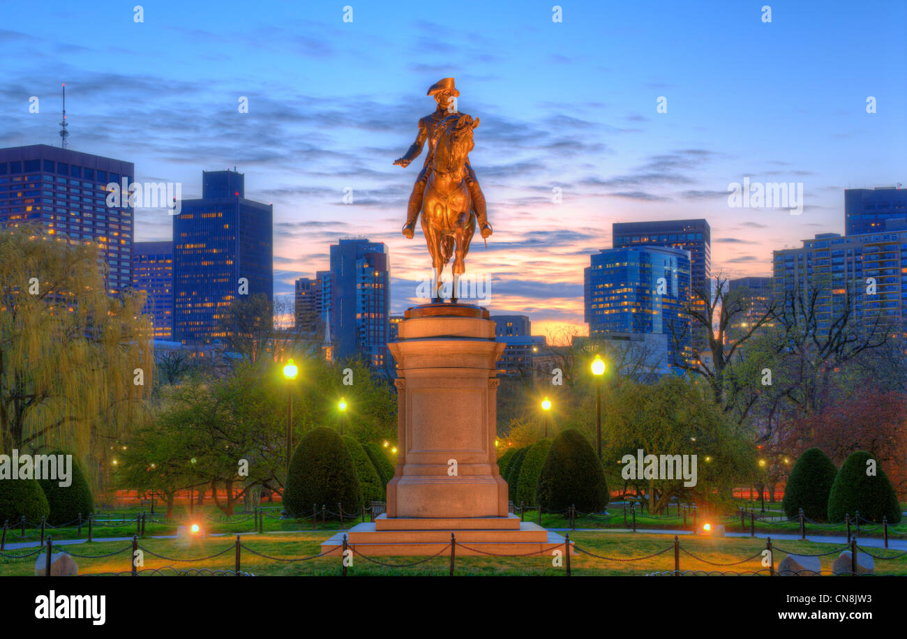 Statue équestre de George Washington au jardin public à Boston, Massachusetts. Photo Stock