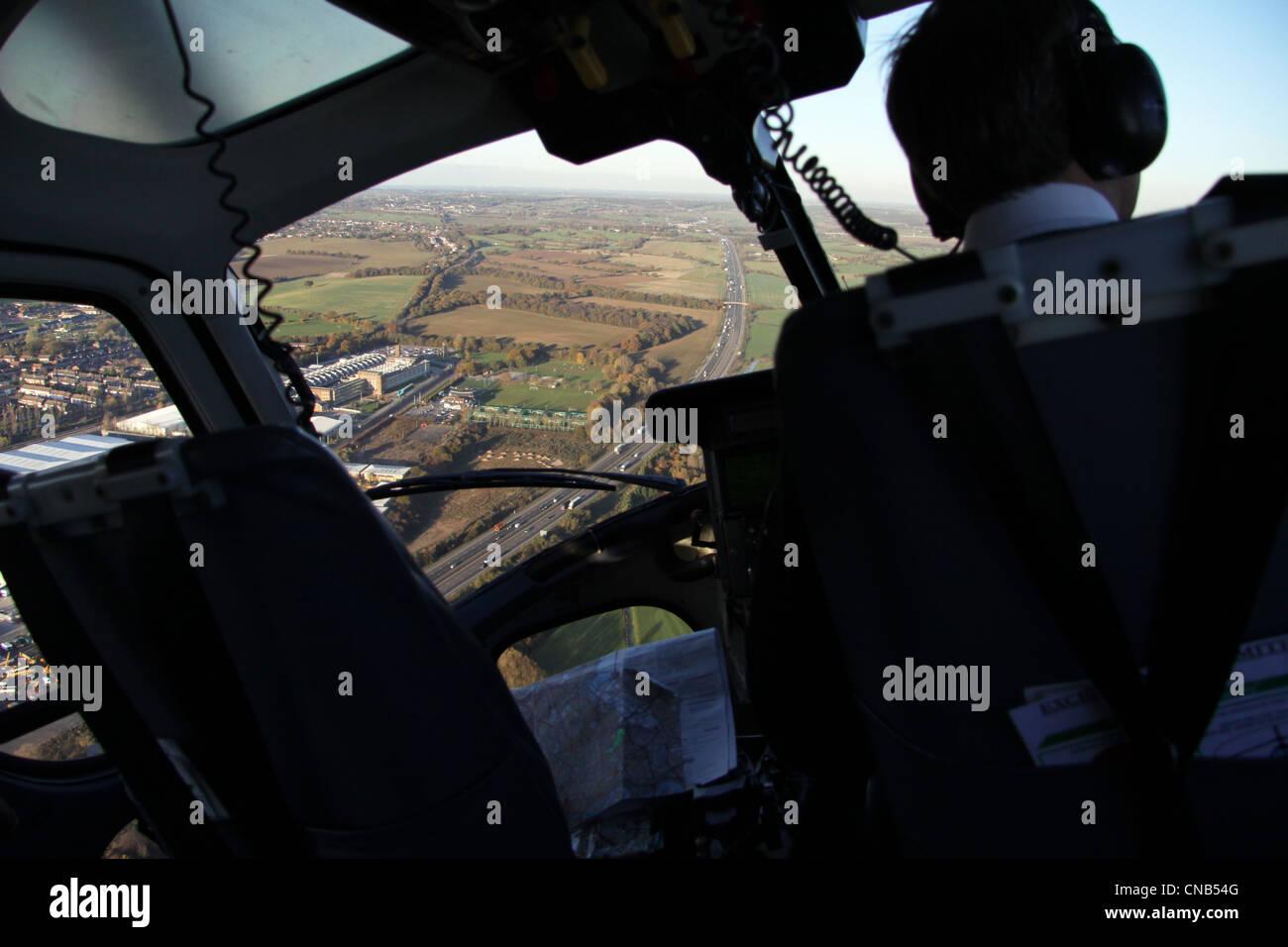 vue depuis lintrieur dun hlicoptre au dessus de lcureuil 1 m11