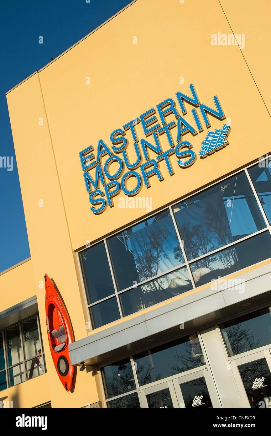 Magasin de sport de montagne de l'Est. Photo Stock