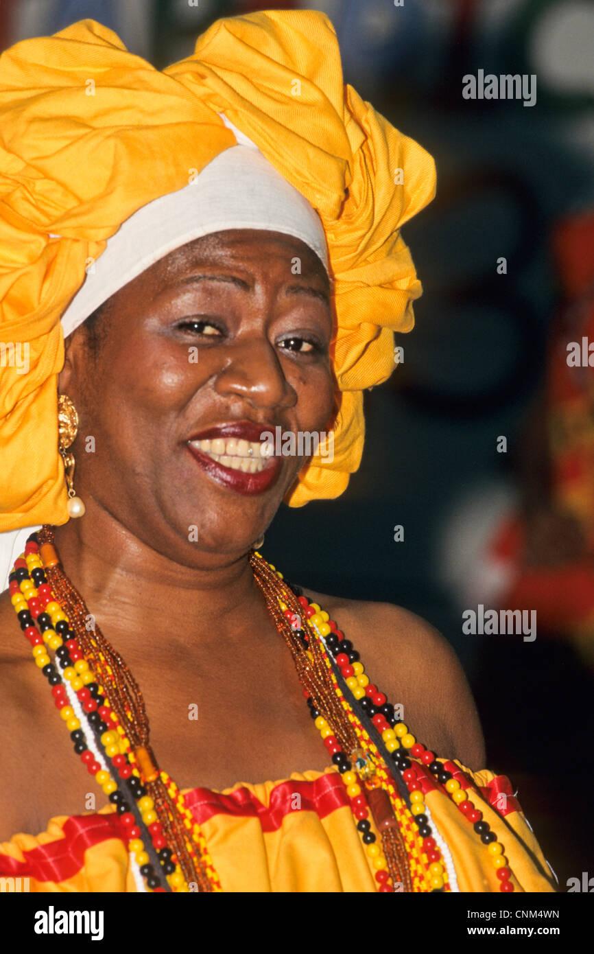 belles femmes du carnaval au brésil