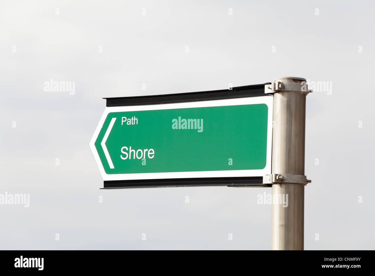 Panneau indiquant un chemin de rivage entre Portencross et West Kilbride dans le nord de Ayrshire, Écosse, Royaume-Uni Banque D'Images
