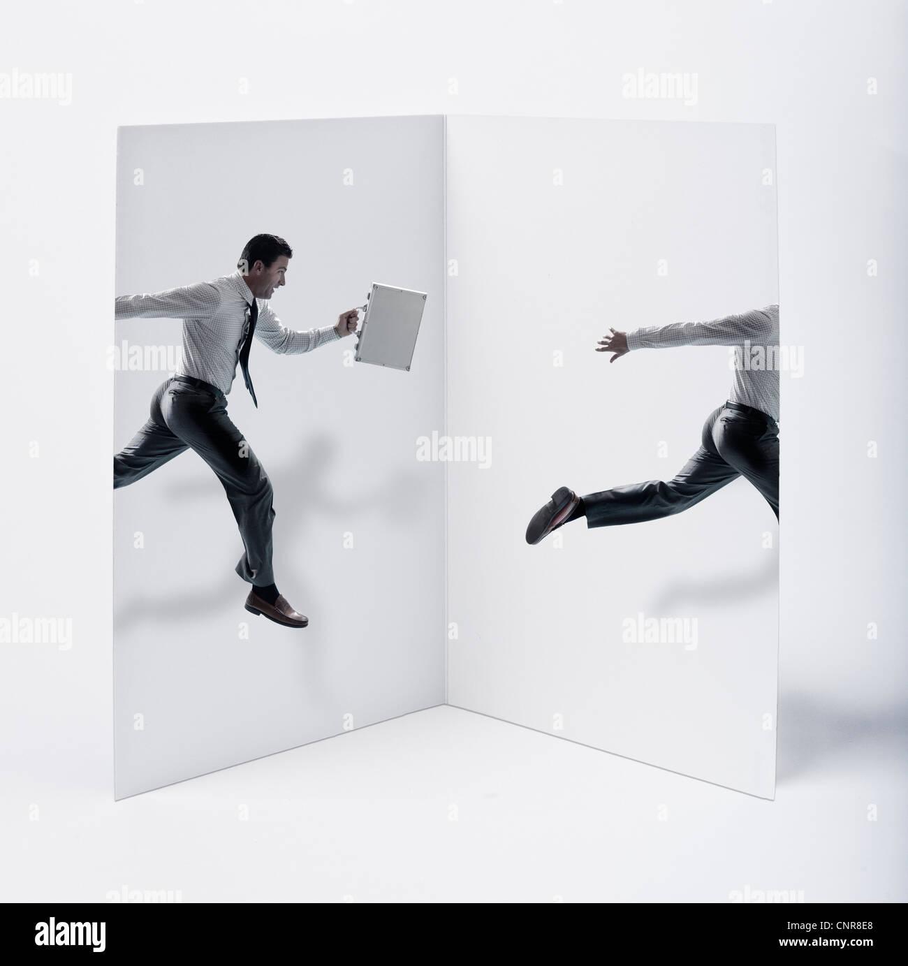 Carte postale avec un homme sautant à l'intérieur Photo Stock