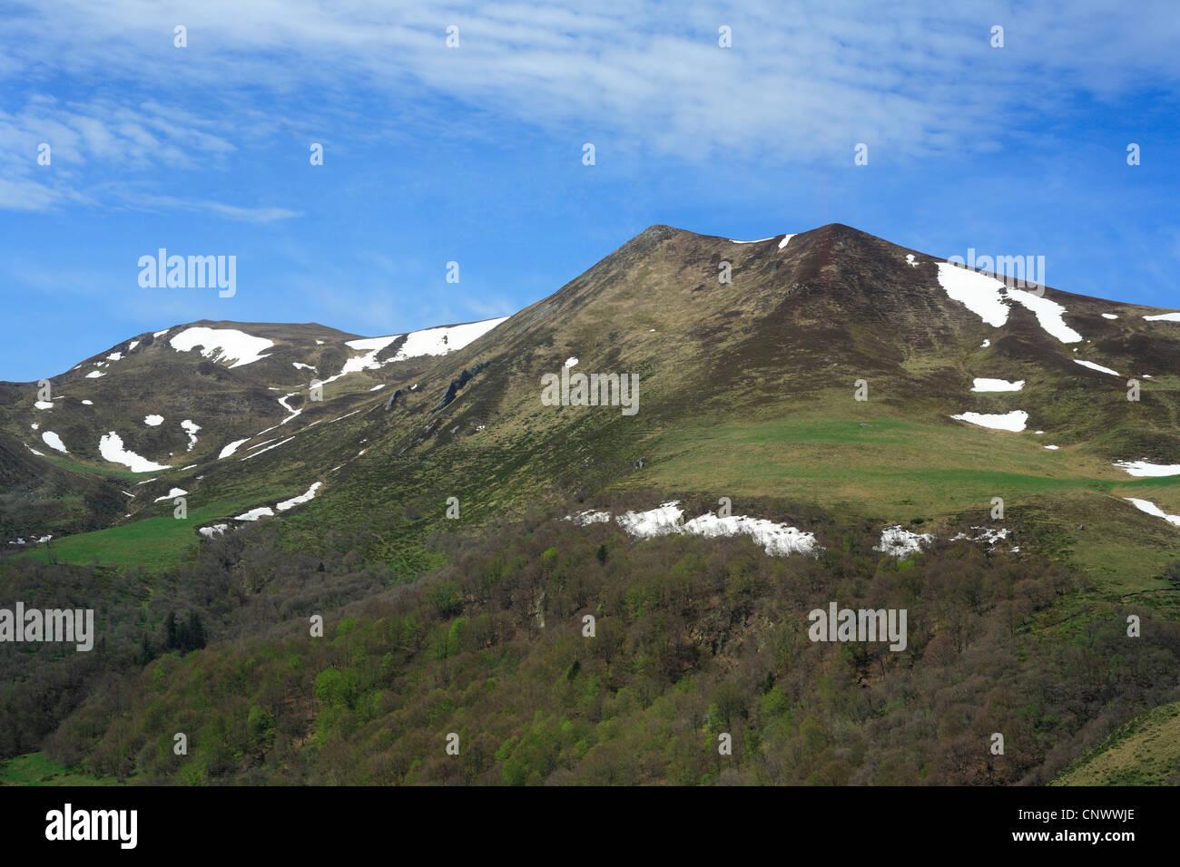 montagnes du massif central france auvergne banque d 39 images photo stock 47897430 alamy. Black Bedroom Furniture Sets. Home Design Ideas