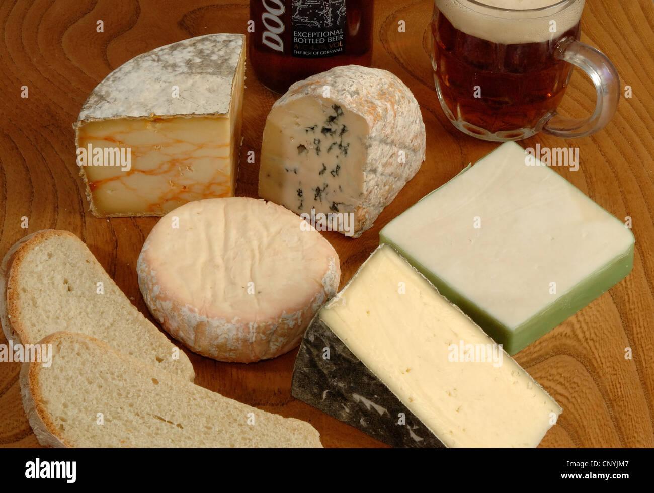 Une sélection de fromages du pays de l'ouest l'ouest de l'Angleterre, Royaume-Uni Photo Stock