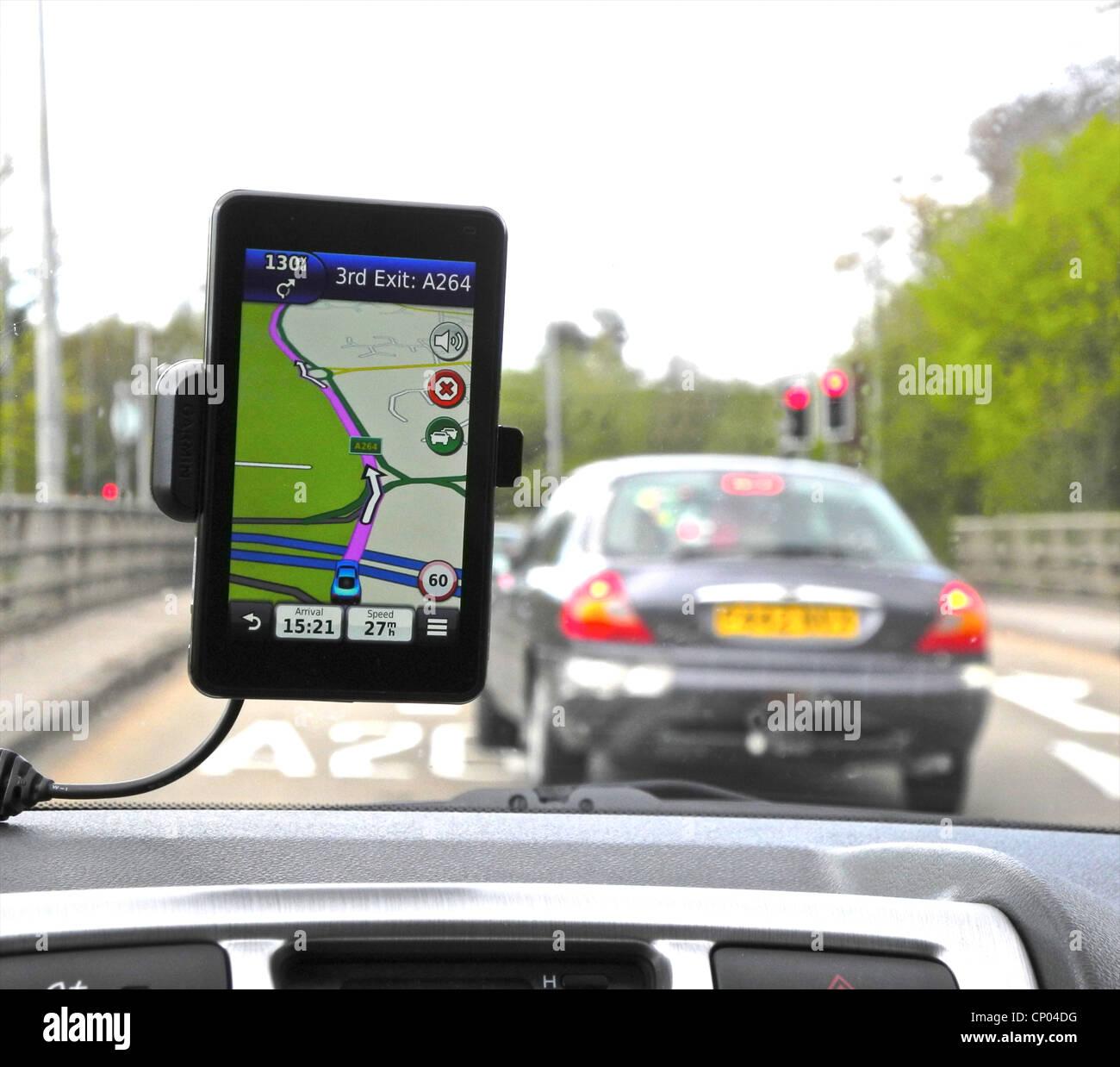 Sat Nav unité de travail de l'appareil de navigation par satellite voiture. Photo Stock