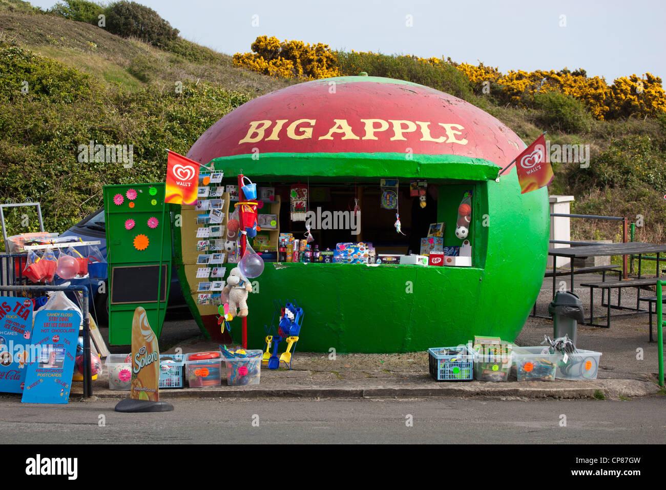 Big Apple Cafe et Sweet Shop dans Mumbles Swansea Pays de Galles du Sud Photo Stock