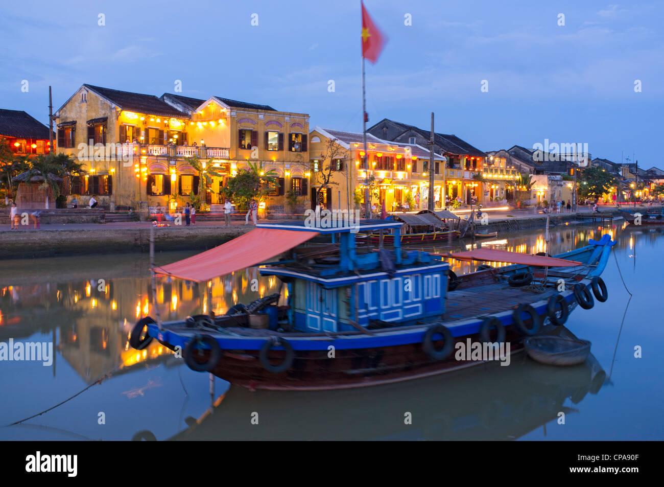 La tombée de la patrimoine mondial de l'UNESCO ville de Hoi An au Vietnam Photo Stock