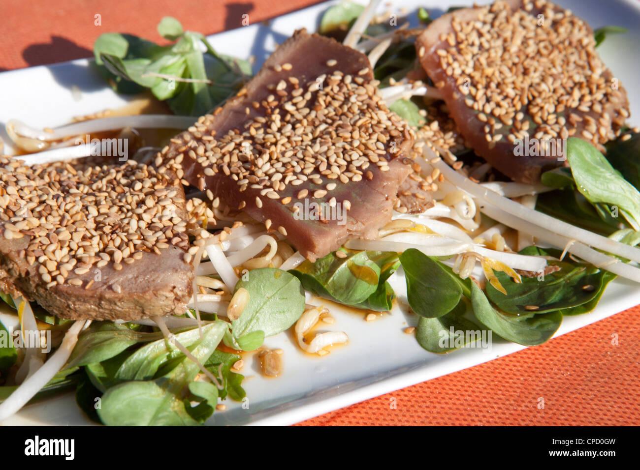 Thon nourriture gastronomie plat legumes cool mediterraneam bonne sante Photo Stock
