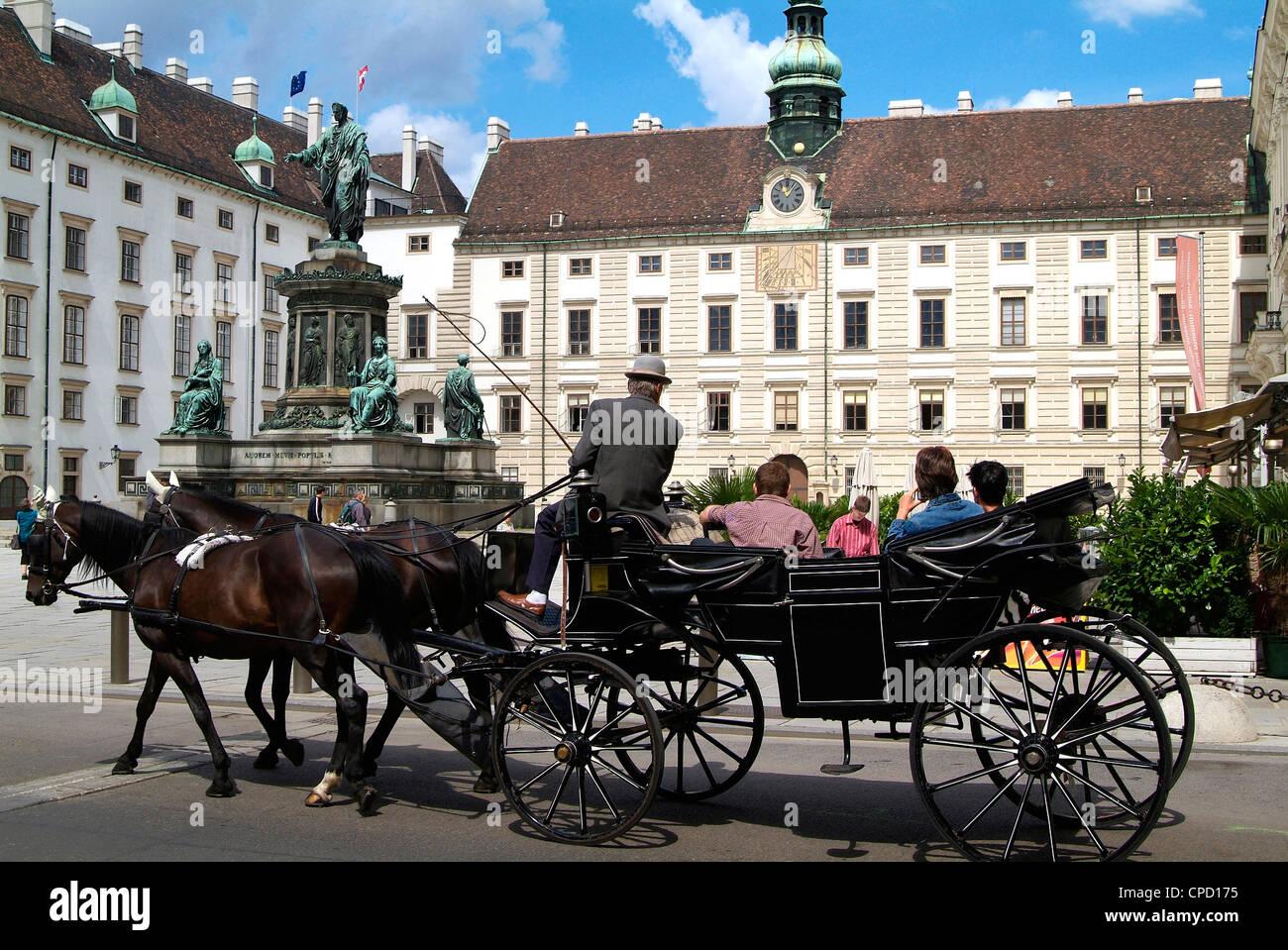 Balade en calèche à la Hofburg, Vienne, Autriche, Europe Photo Stock