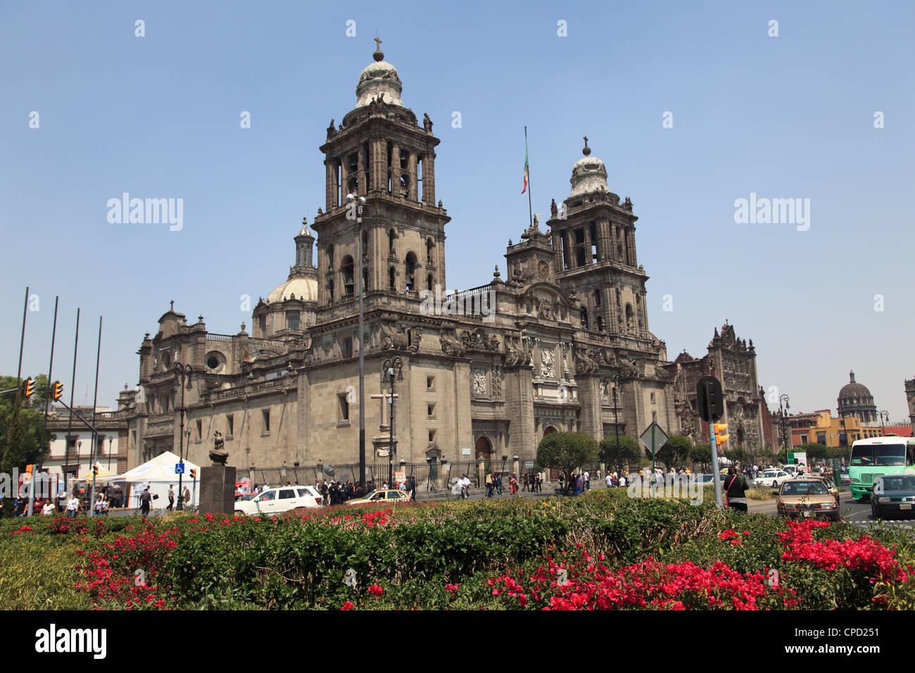 Cathédrale métropolitaine, la plus grande église en Amérique latine, Zocalo, Plaza de la Constitucion, Photo Stock