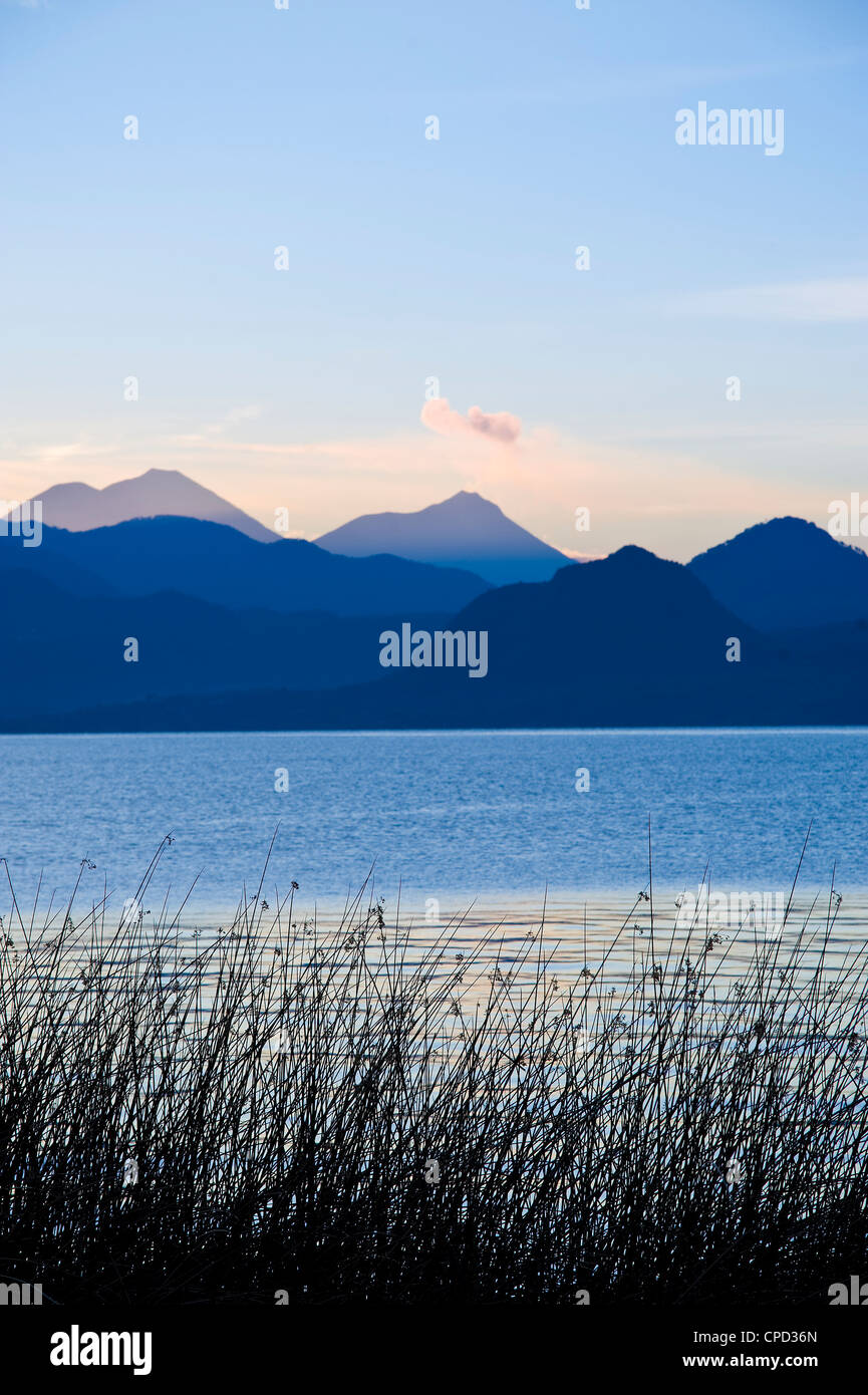 Lac Atitlan, l'ouest des Highlands, au Guatemala, en Amérique centrale Photo Stock