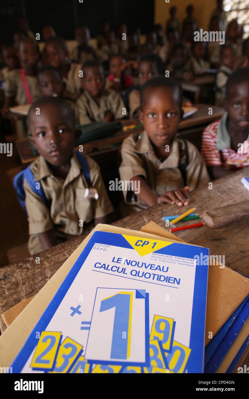 L'école primaire en Afrique, Lomé, Togo, Afrique de l'Ouest, l'Afrique Photo Stock
