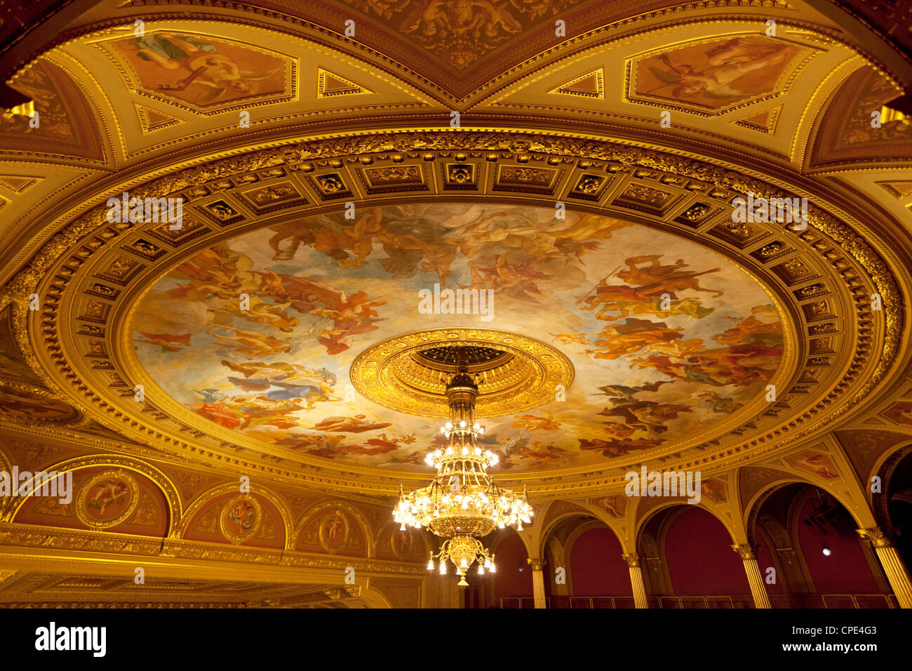 State Opera House (Magyar Allami Operahaz) plafond, Budapest, Hongrie, Europe Banque D'Images