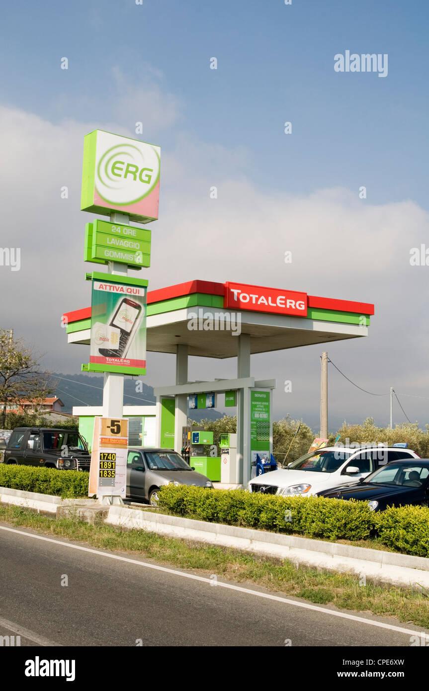 carburant essence erg total stations station de remplissage de l 39 image de marque de marque. Black Bedroom Furniture Sets. Home Design Ideas