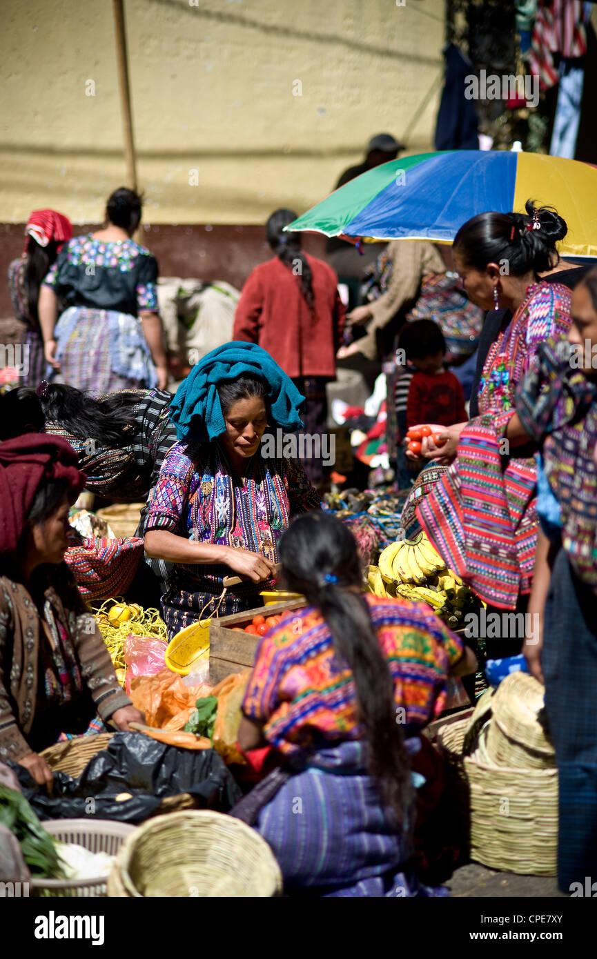 Au marché de Solola, Western Highlands, Guatemala, Amérique Centrale Photo Stock
