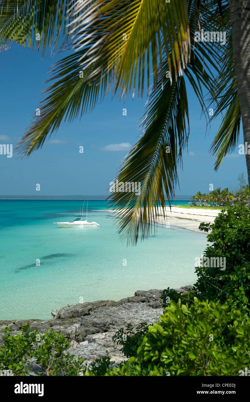 Sur la plage et la mer à Matemo lodge dans l'archipel des Quirimbas, au Mozambique. Photo Stock
