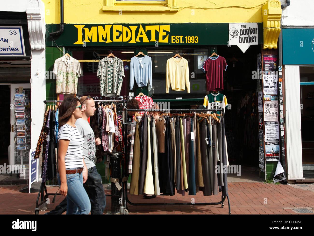 c6ed28bc2b7 La boutique de vêtements immédiatement la vente de vêtements d occasion à  Brighton