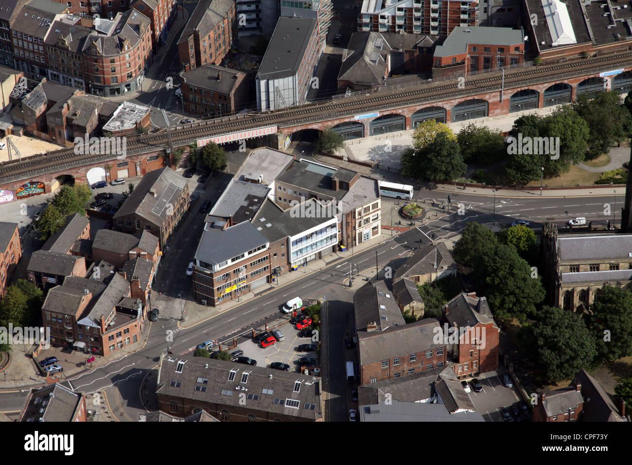 Vue aérienne de la Haute Cour une route qui continue des Appels, Leeds Banque D'Images