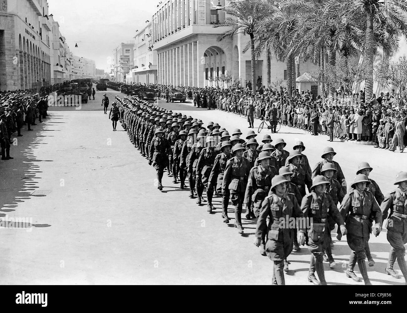 Défilé de l'Afrika Korps allemande à Tripoli, 1941 Banque D'Images