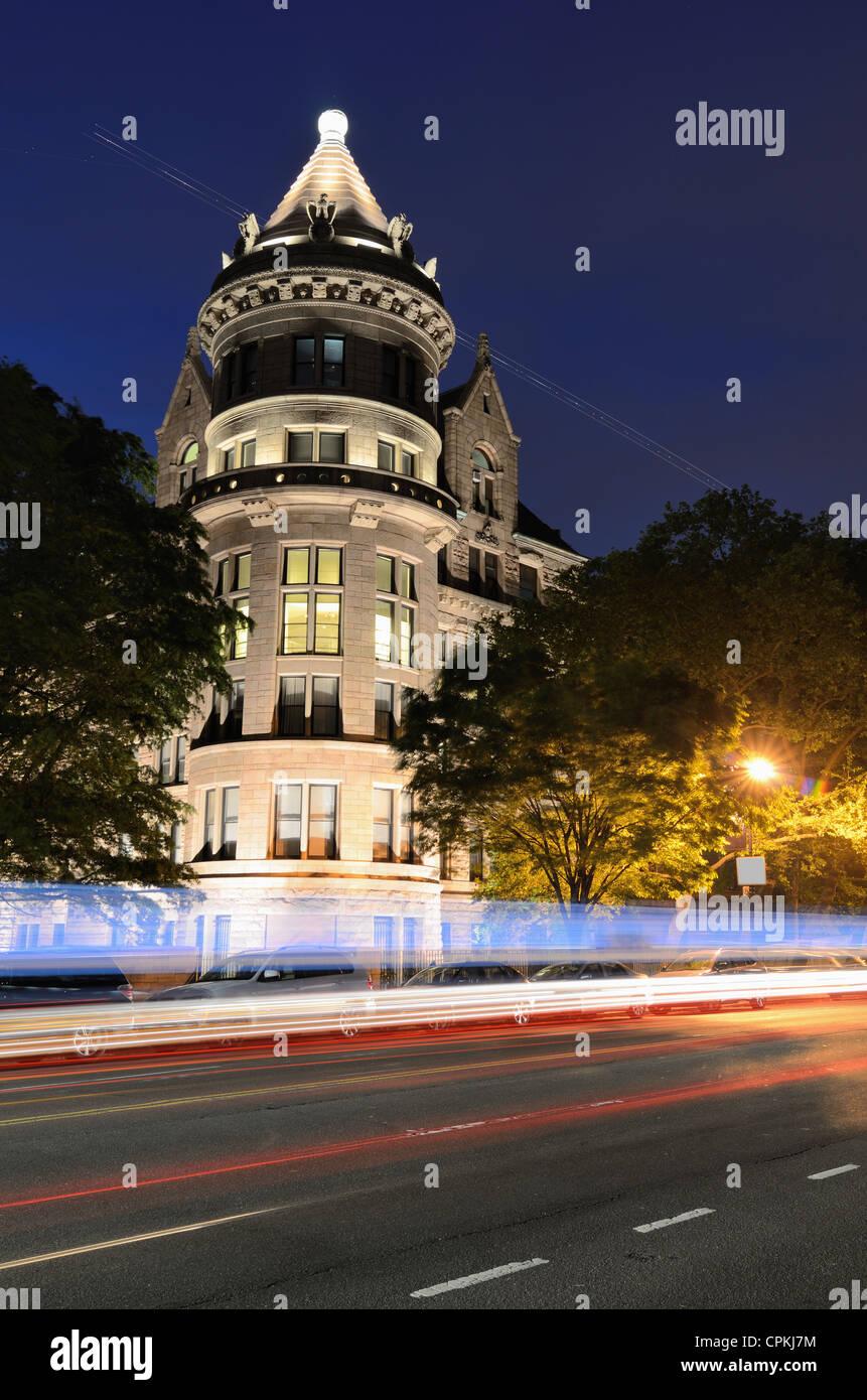Historique de la 77e rue à l'entrée à l'American Museum of Natural History à New York. Photo Stock