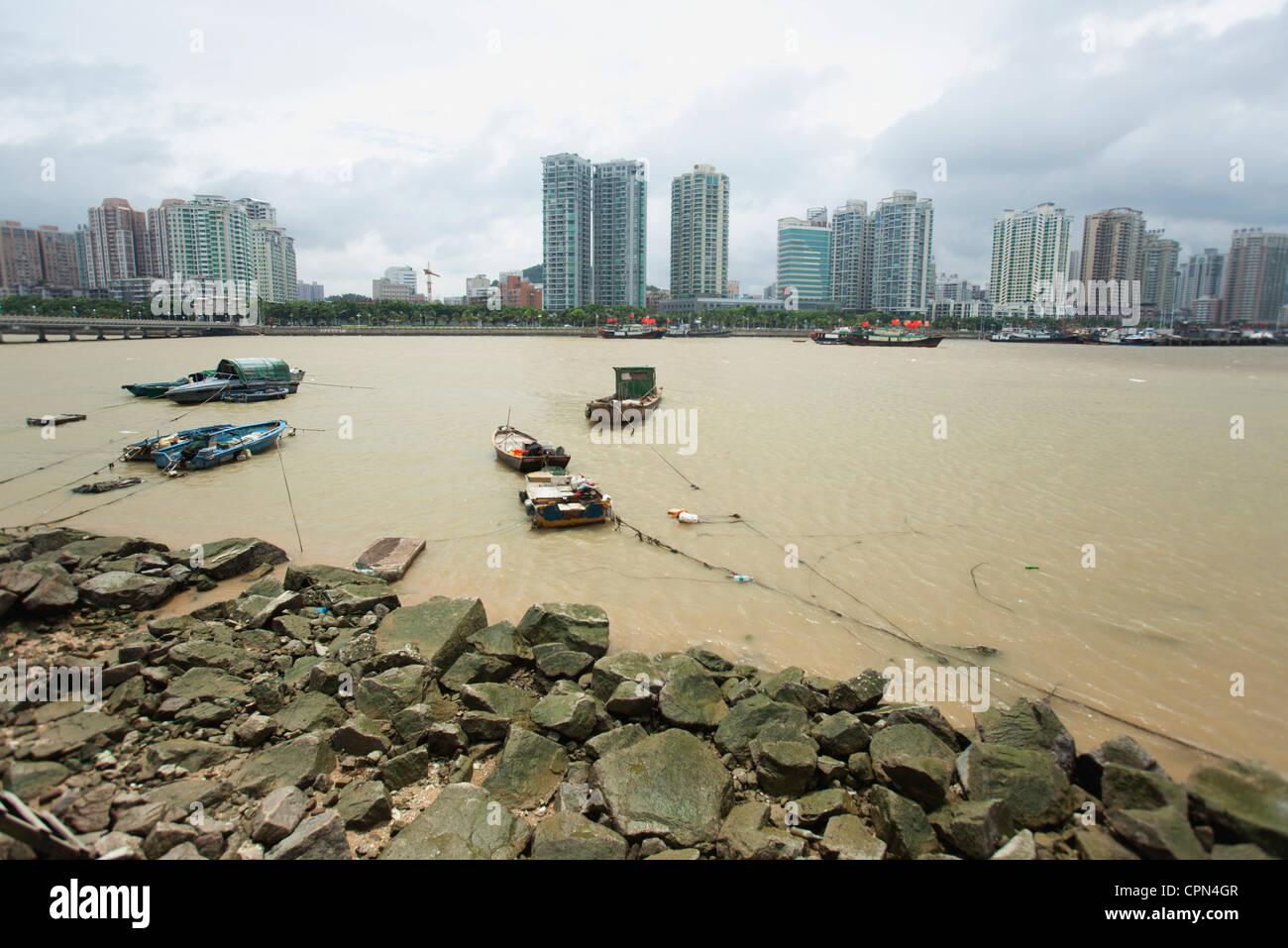 Bateaux sur l'eau, la province de Shandong, Chine Photo Stock