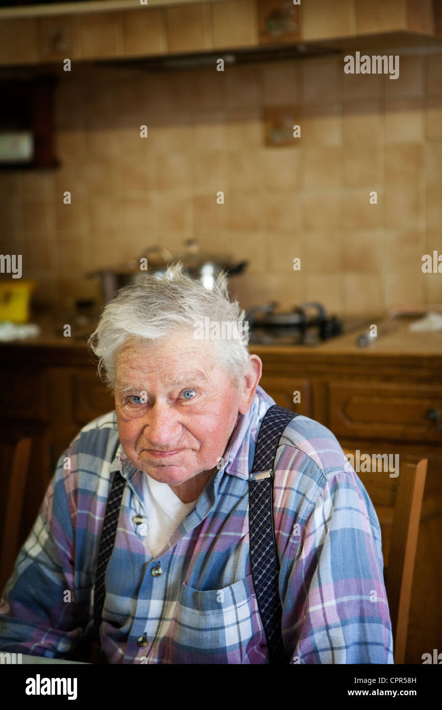 PORTRAIT D'UN HOMME  + 65 ANS Photo Stock
