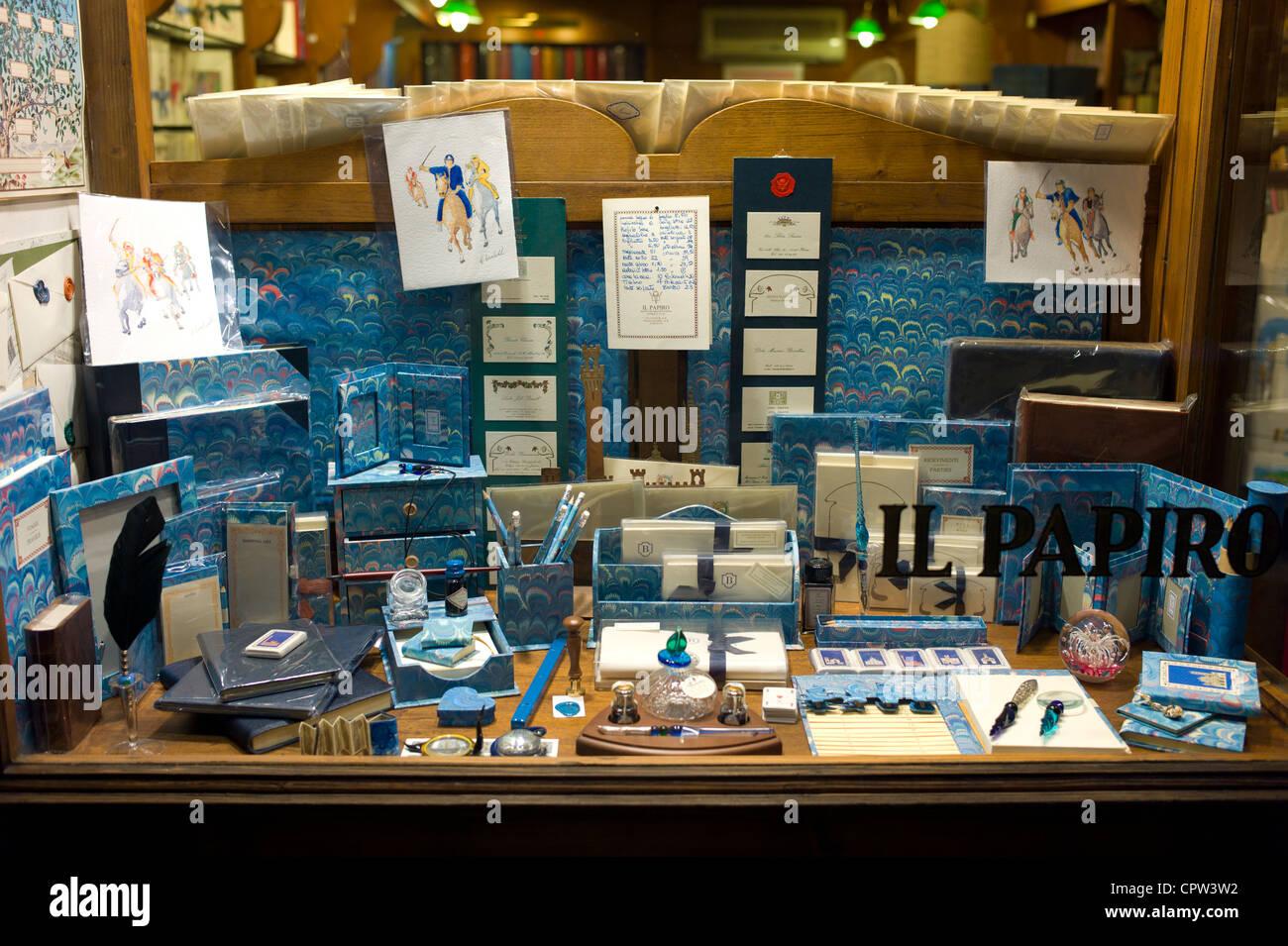 Il Papiro boutique qui vend des stylos, papier et d'articles de papeterie à Sienne, Italie Photo Stock