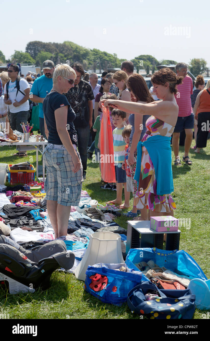 Shoppers at Car Boot Sale Sully Photo Stock