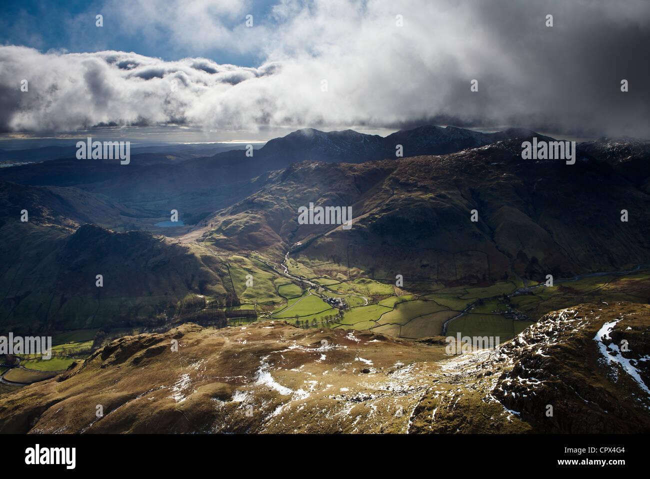 Langdale du pic de Harrison Stickle, Langdale Pikes, Lakes District National Park, Cumbria, Angleterre Banque D'Images