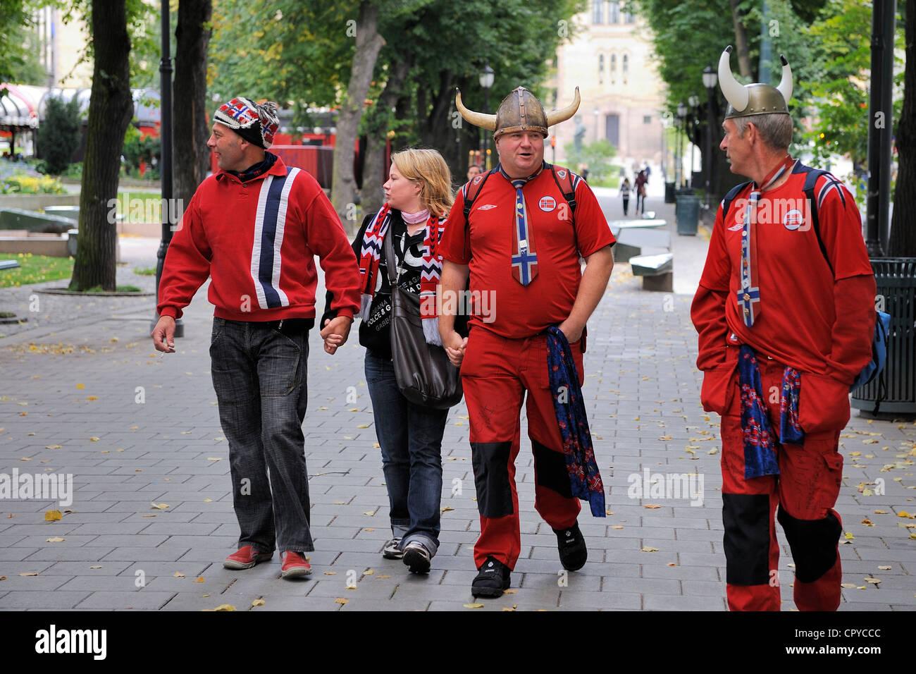 La Norvège, Oslo, les partisans de l'Équipe nationale de soccer Photo Stock