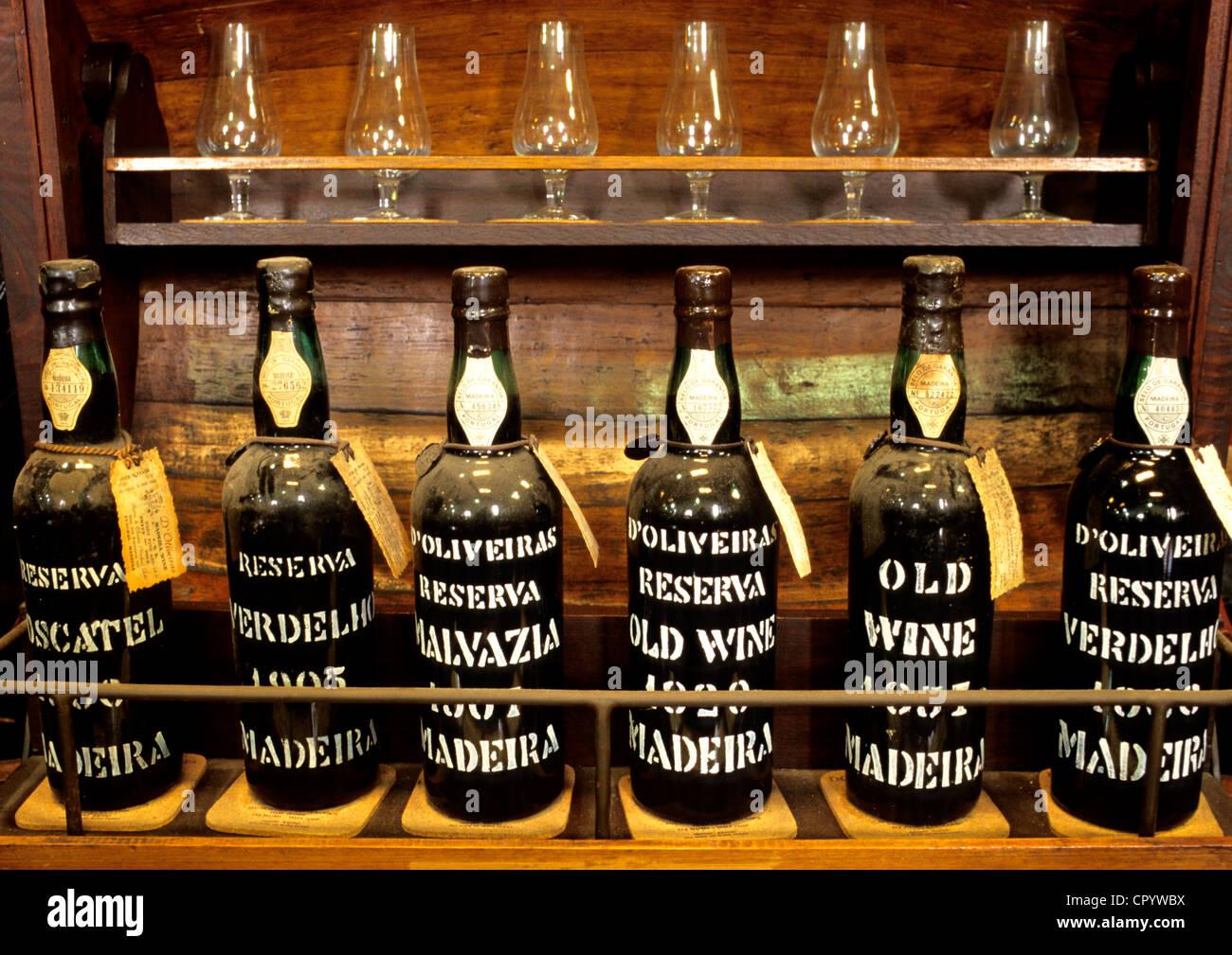 Le Portugal, l'île de Madère, Funchal, vin de l'île de Madère dans la cave de Oliveira Photo Stock