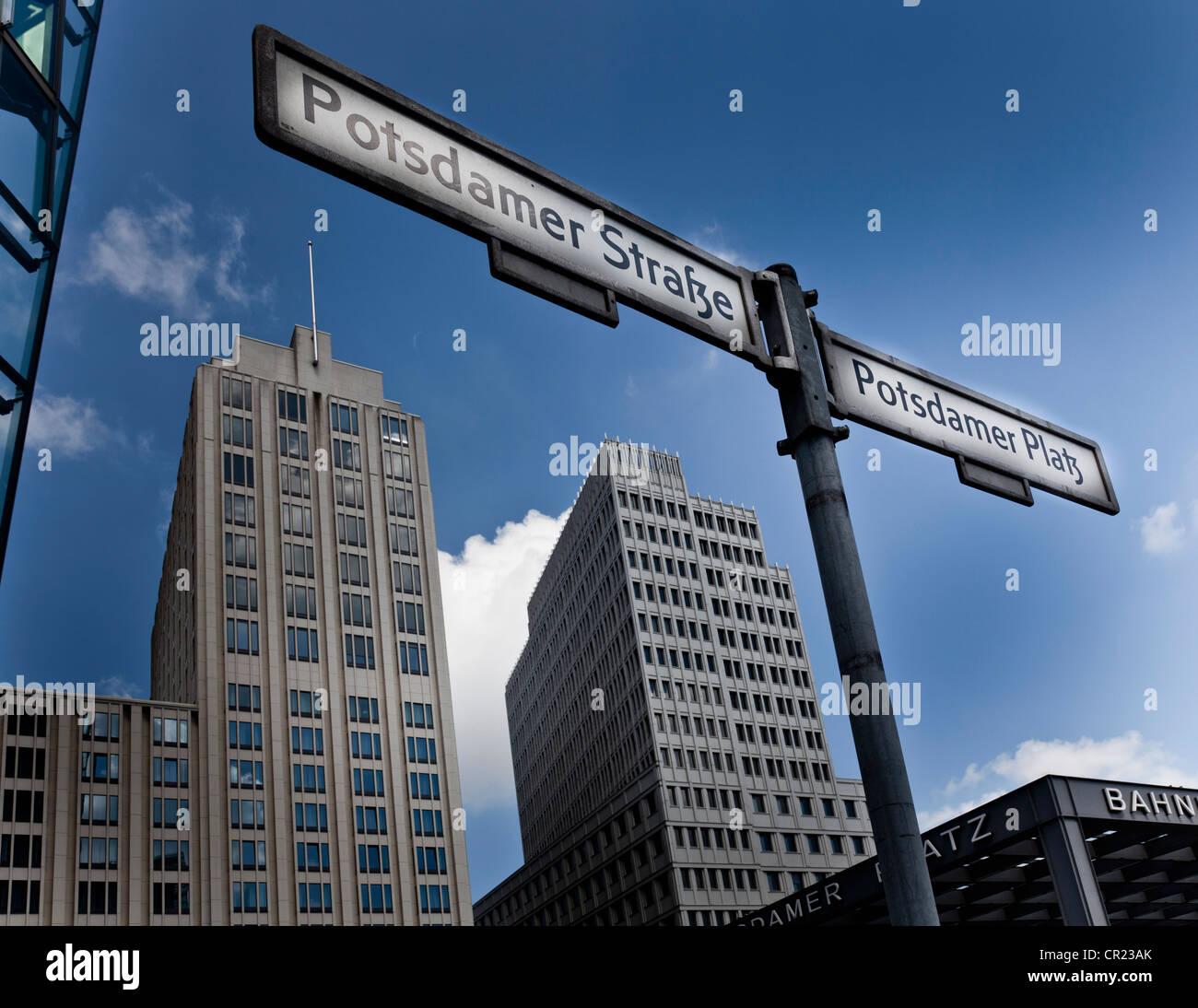 L'allemand des plaques de rue en centre-ville Banque D'Images