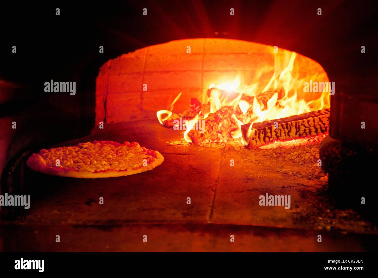Pizza Pâtisseries au four à bois Photo Stock