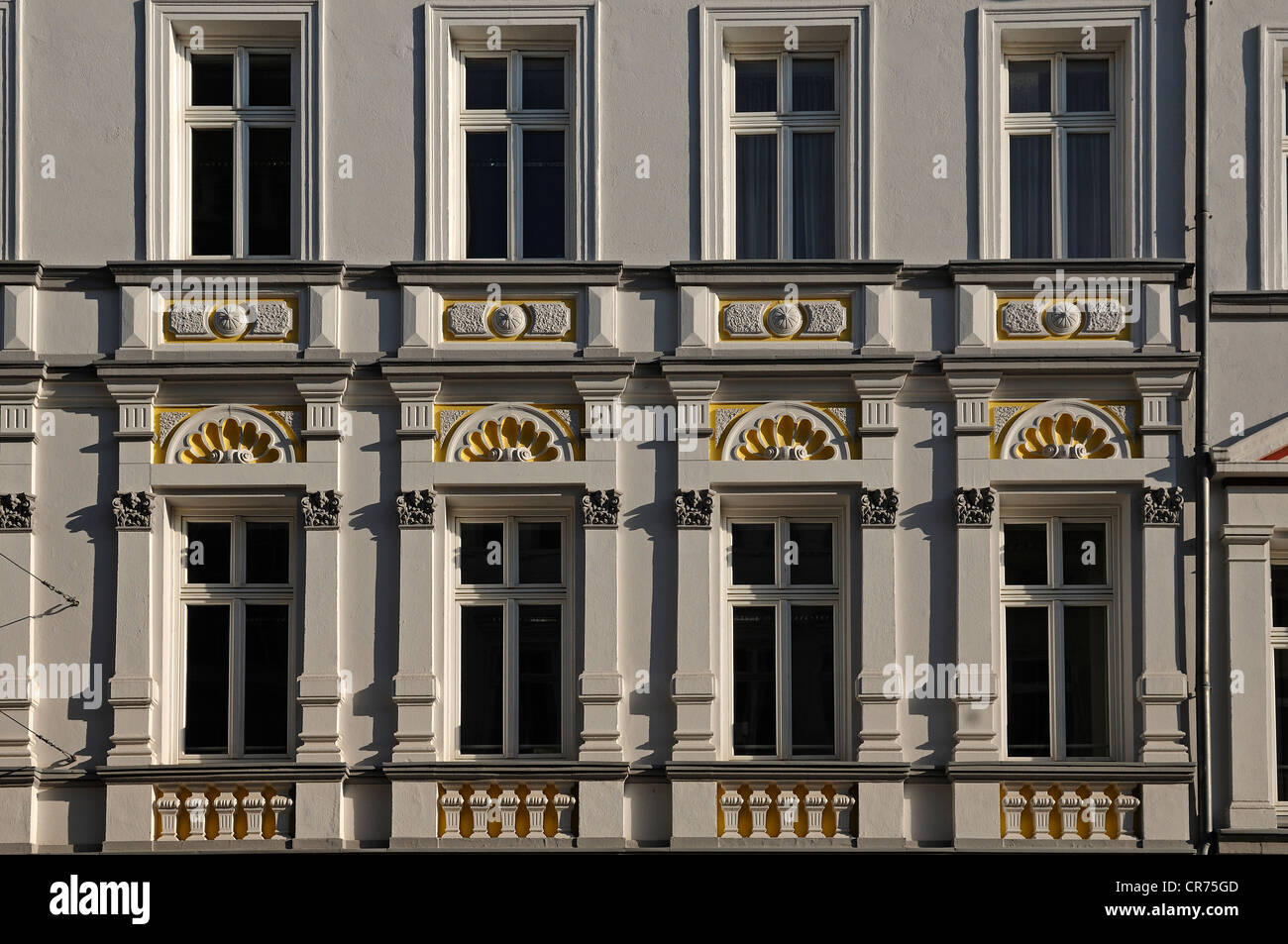 Maison de décoration de la façade du xixe siècle, Mecklenburgstrasse 14, Schwerin, Mecklembourg-Poméranie-Occidentale Banque D'Images
