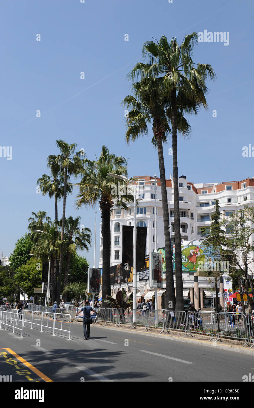 Croisette In Cannes Photos   Croisette In Cannes Images - Alamy a77c5997613