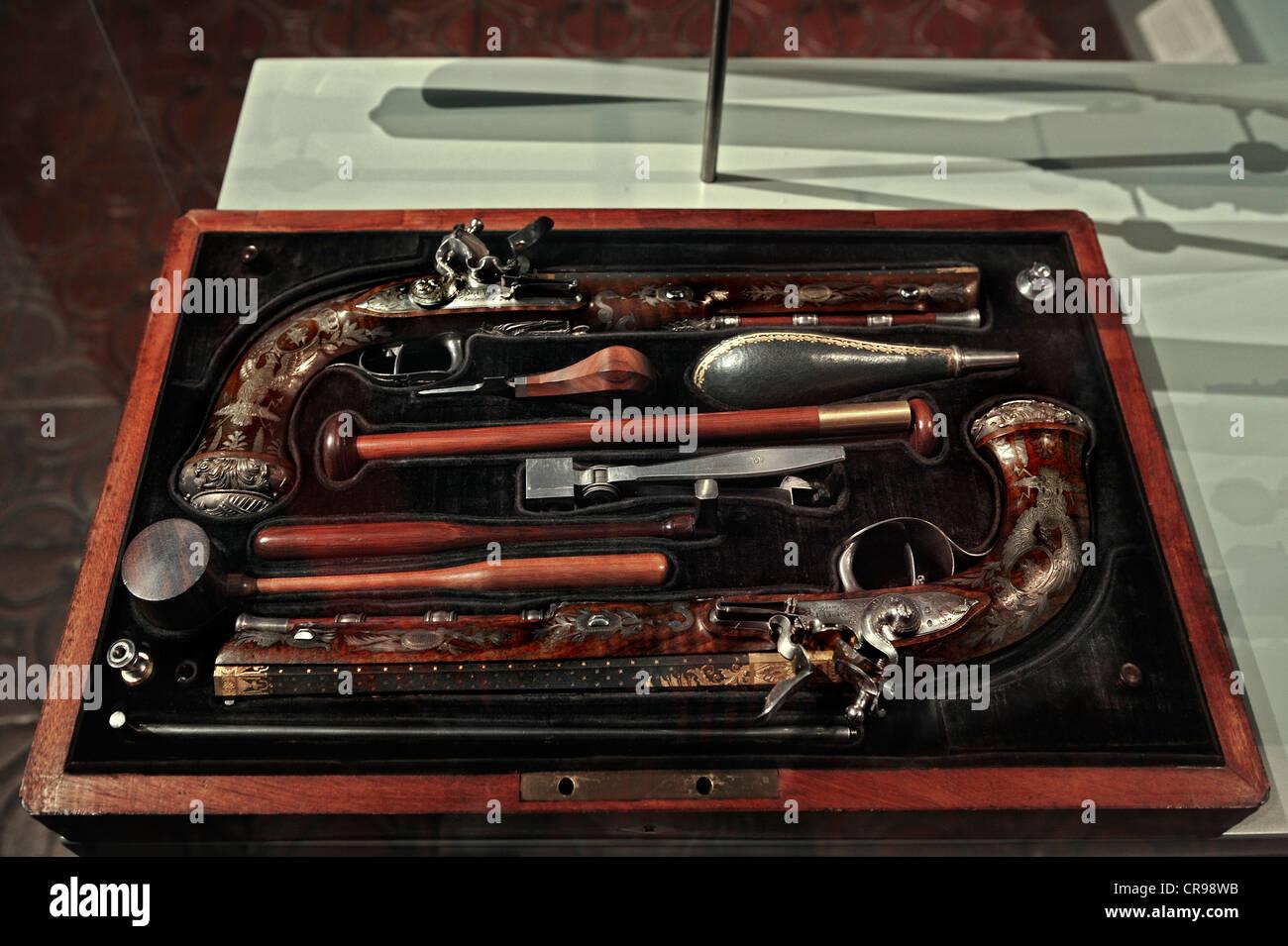 Pistolets à silex, lits jumeaux Noel-Nicolas Boutet, Versailles autour de 1800, le Musée national de Bavière, Photo Stock