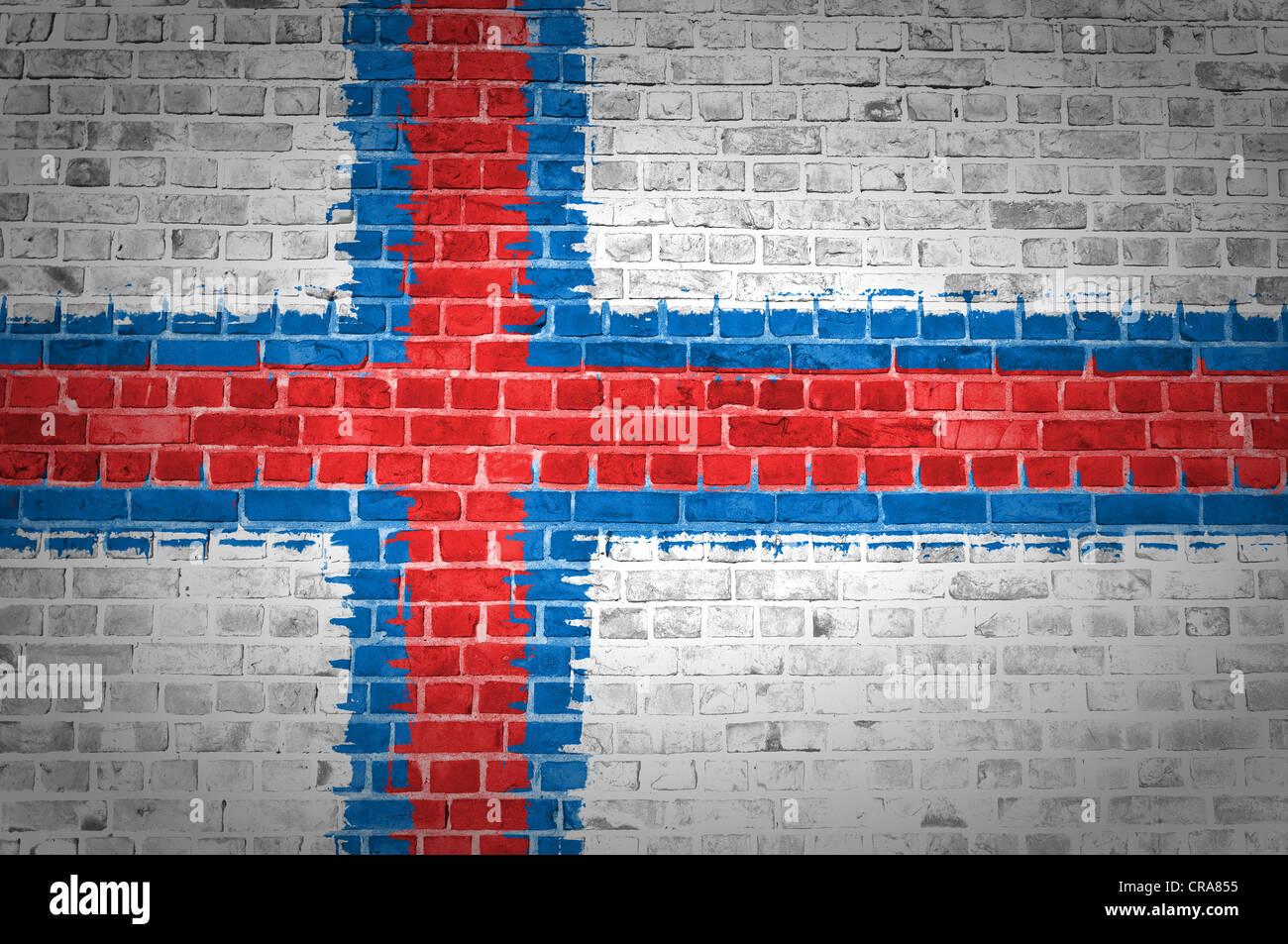 Une image des îles Féroé drapeau peint sur un mur de briques dans une localisation urbaine Photo Stock