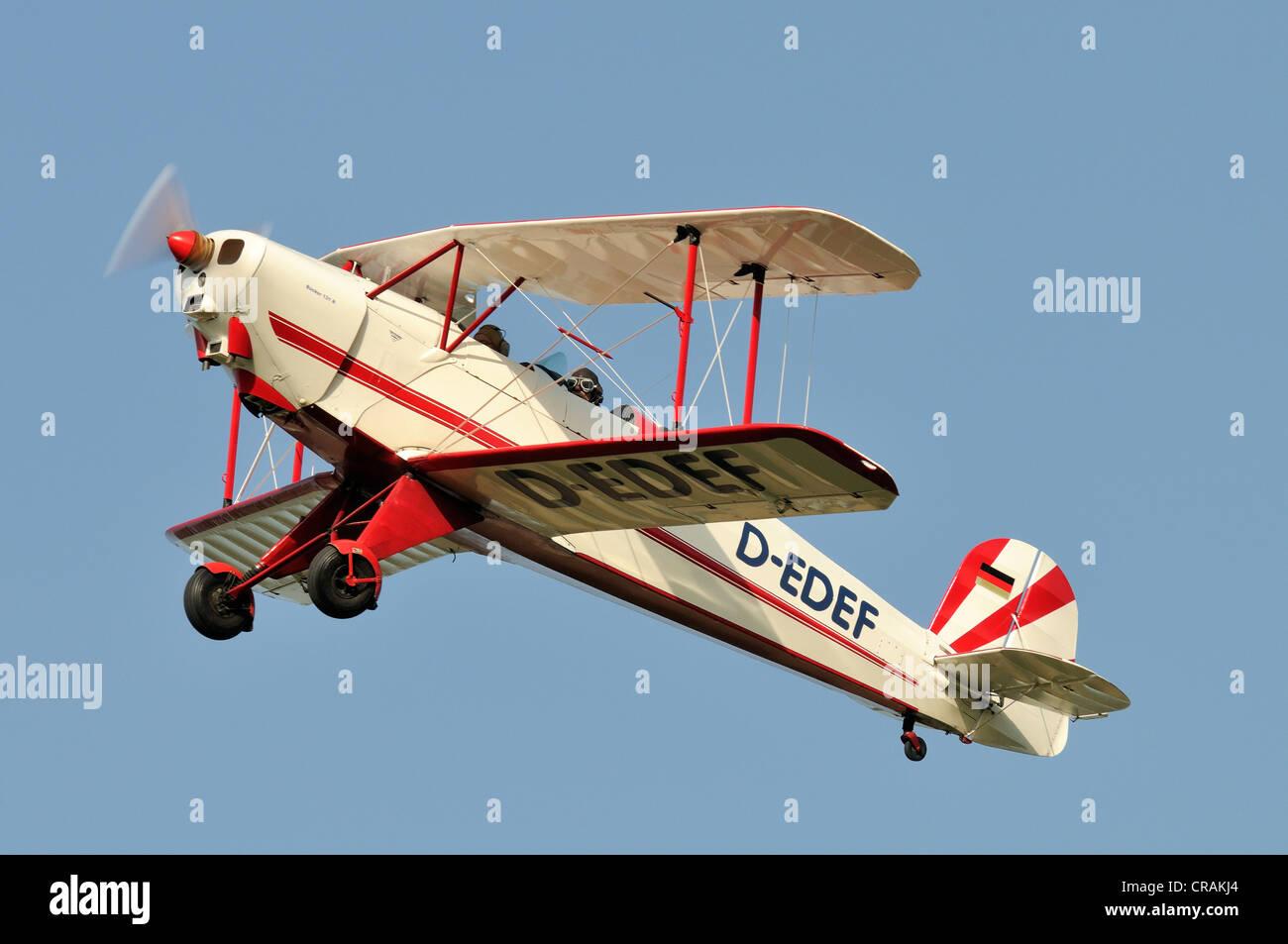 711-2-131 allemand Buecker Lerche biplan, premier vol en 1934, la plus grande réunion des aéronefs à Photo Stock