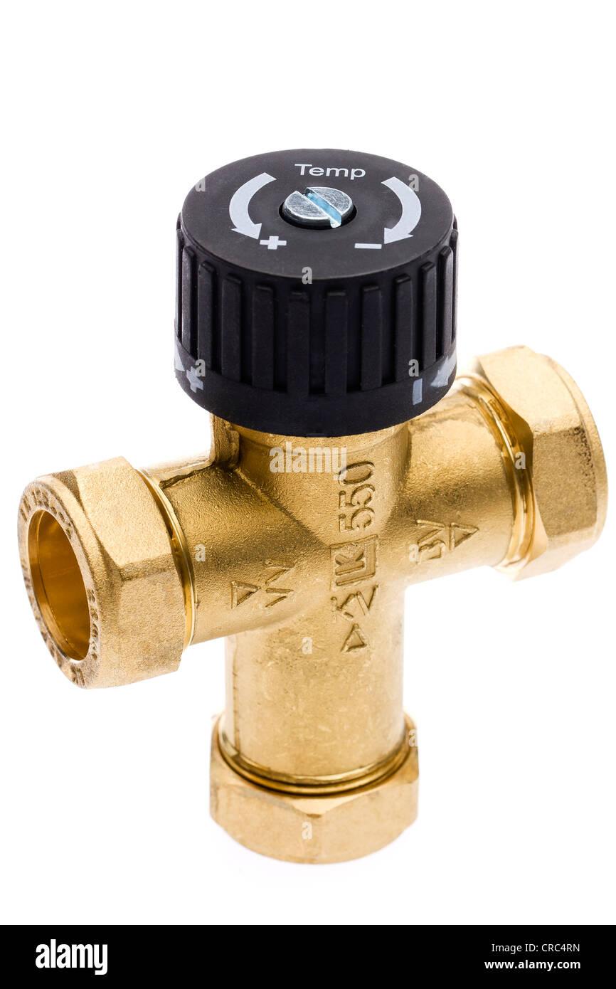La vanne de mélange à trois voies pour la production d'eau chaude Photo Stock