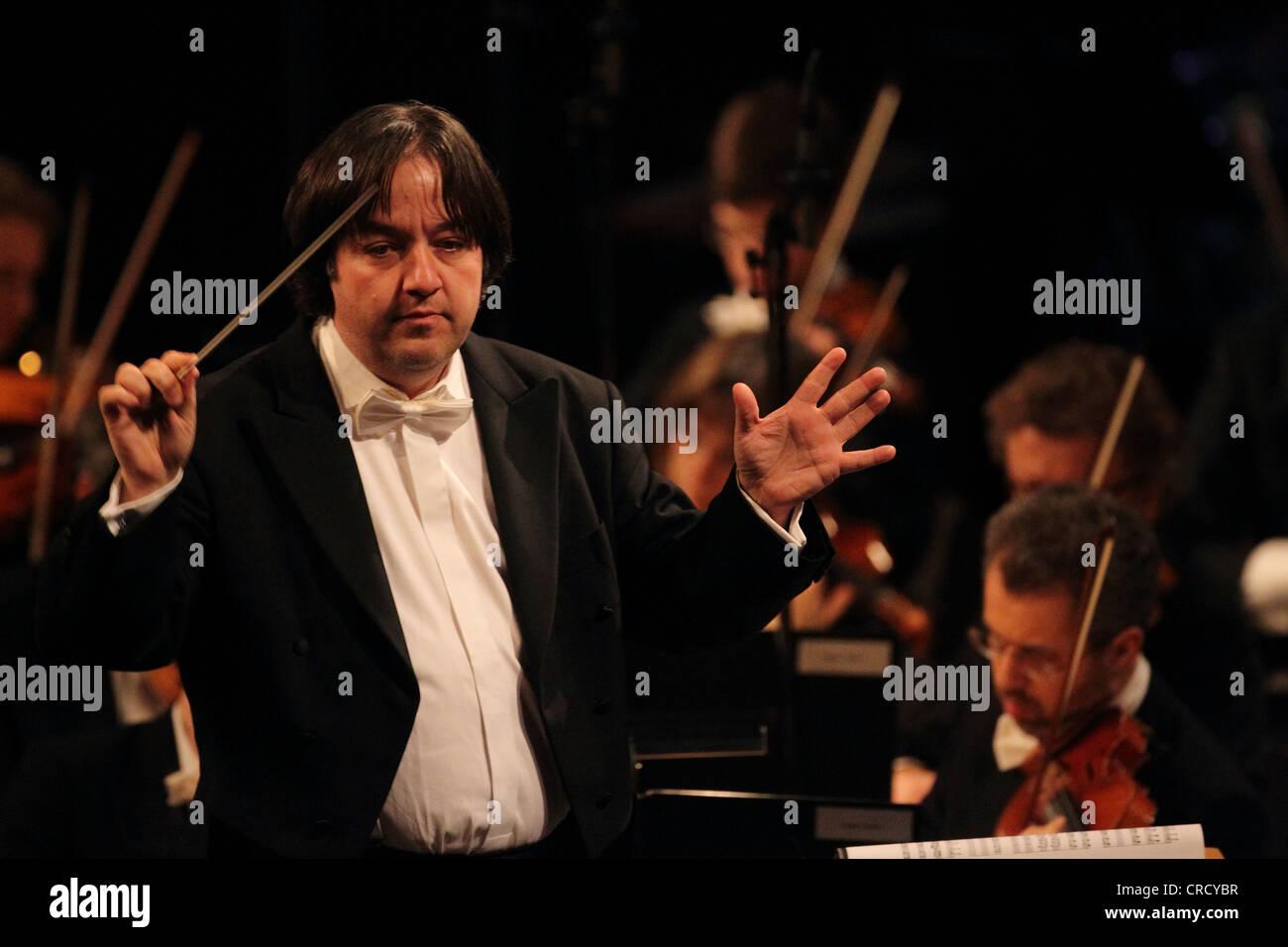 Stefan Blunier, chef d'orchestre de l'ORCHESTRE Beethoven de Bonn, Koblenz, Rhénanie-Palatinat, Allemagne, Photo Stock