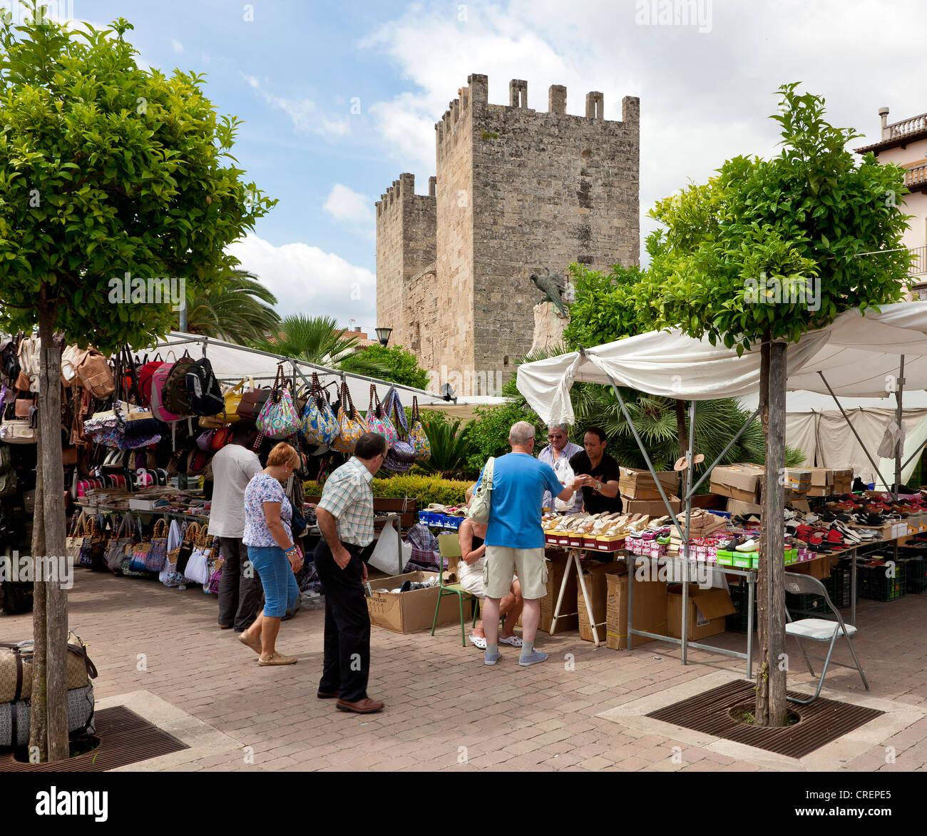 Marché du dimanche à Alcudia, Majorque, îles Baléares, Espagne, Europe Photo Stock