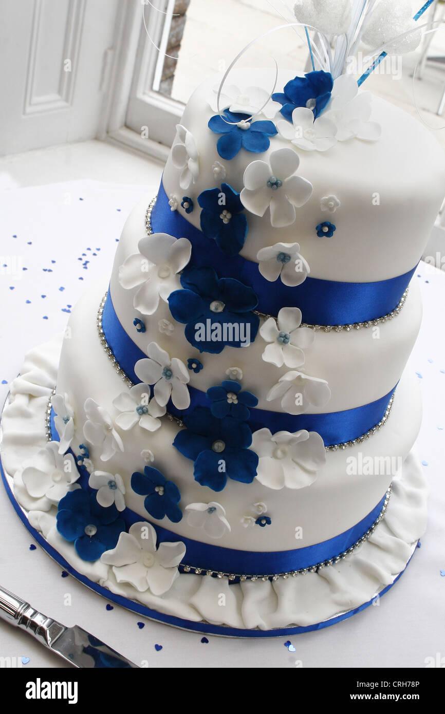 Gâteau De Mariage Blanc Et Bleu West Retford Hotel North